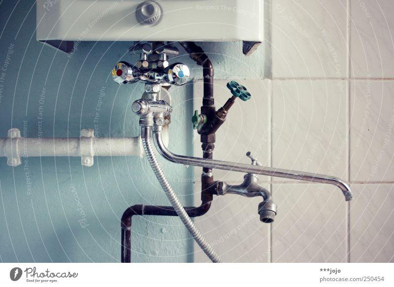 die schönheit des alltäglichen. kalt Metall Schwimmen & Baden heiß Badewanne Flüssigkeit Eisenrohr Stillleben Dusche (Installation) Gas Leitung Geometrie