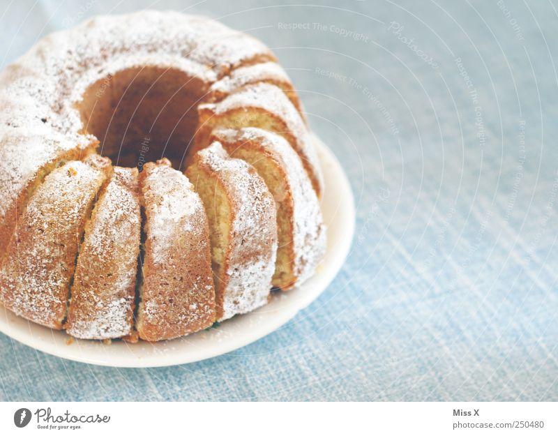 Hätt ich dich heut erwartet... Ernährung Lebensmittel süß Kuchen lecker Frühstück Teller Süßwaren Backwaren Teigwaren Kaffeetrinken Kaffeetisch Gugelhupf