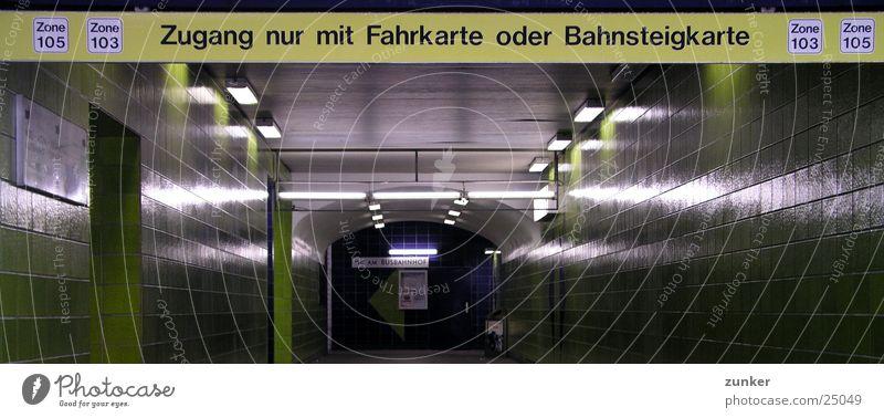 Zone 105/103 grün Verkehr Fliesen u. Kacheln Tunnel U-Bahn Bahnhof Verbote S-Bahn Bahnsteig Fahrkarte