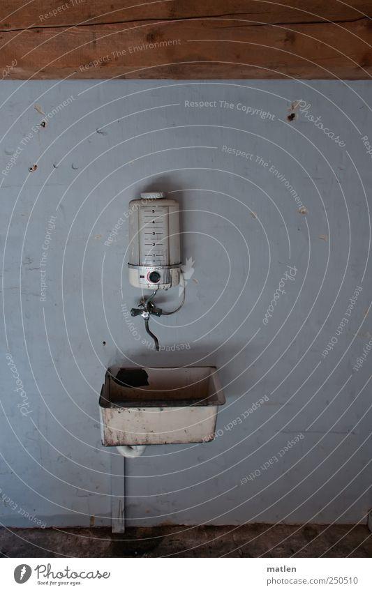 automatic alt Wand Holz grau Mauer Metall braun Glas Energiewirtschaft Vergänglichkeit Fabrik Kunststoff Rost Krise Fortschritt Skala