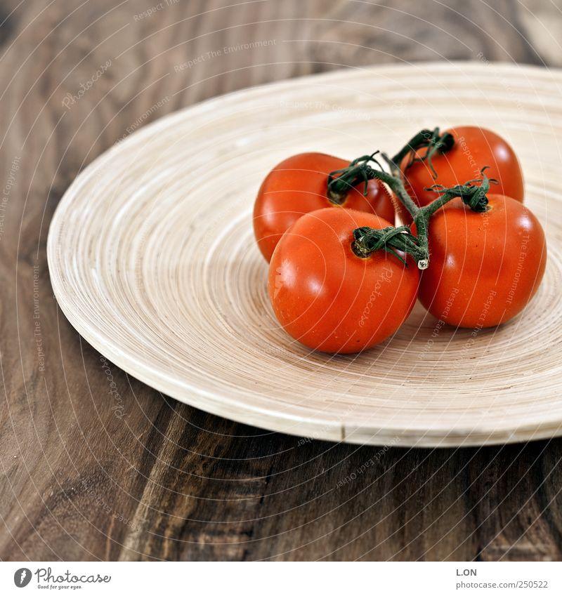 roteTomaten Lebensmittel Gemüse Ernährung Bioprodukte Vegetarische Ernährung Diät Teller Schalen & Schüsseln Stil Gesundheit Möbel Tisch Holz frisch lecker rund