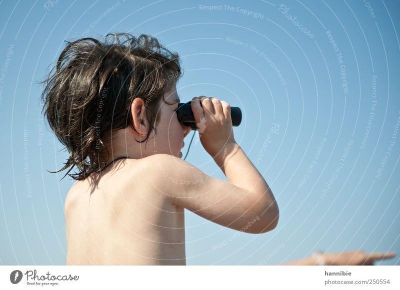 fernsehen Mensch Kind blau Ferien & Urlaub & Reisen Ferne Spielen nackt Junge braun Kindheit Freizeit & Hobby rosa Haut Ausflug beobachten Neugier
