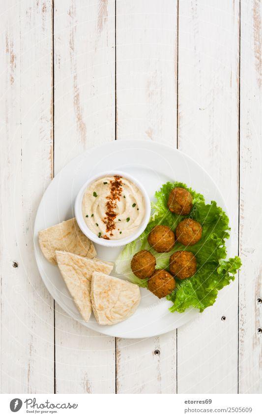 Falafel und Gemüse in Schüssel auf weißem Holz Lebensmittel Gesunde Ernährung Foodfotografie Getreide Asiatische Küche Schalen & Schüsseln frisch Gesundheit