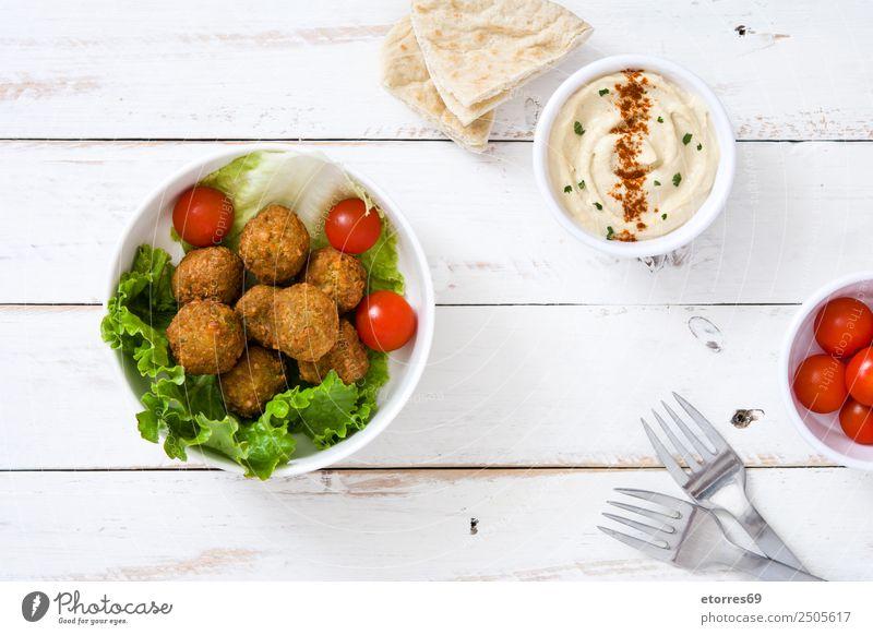 Falafel und Gemüse auf weißem Holzgrund. Lebensmittel Gesunde Ernährung Speise Foodfotografie Getreide Asiatische Küche Schalen & Schüsseln frisch Gesundheit