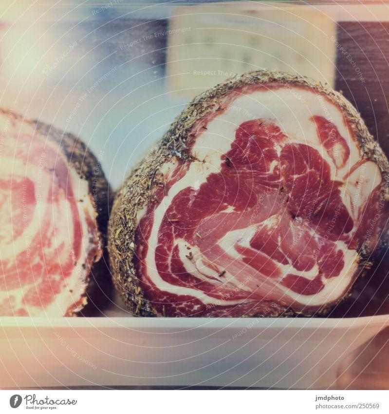 Lecker Pancetta in Kräutermantel Lebensmittel Fleisch Kräuter & Gewürze Ernährung Schinken Frühstück Fressen genießen Ekel muskulös rund saftig rot weiß