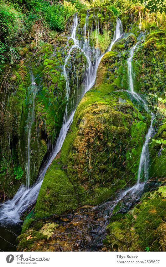 Tobera schön Ferien & Urlaub & Reisen Tourismus Abenteuer Berge u. Gebirge wandern Natur Landschaft Wald Felsen Bach Fluss Wasserfall Bewegung frisch klein grün