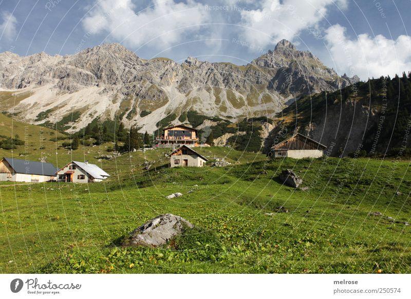 *** Auftanken ... *** Himmel Natur blau grün weiß Wolken Erholung Berge u. Gebirge Landschaft grau Bewegung Felsen wandern Alpen Schönes Wetter Berghütte