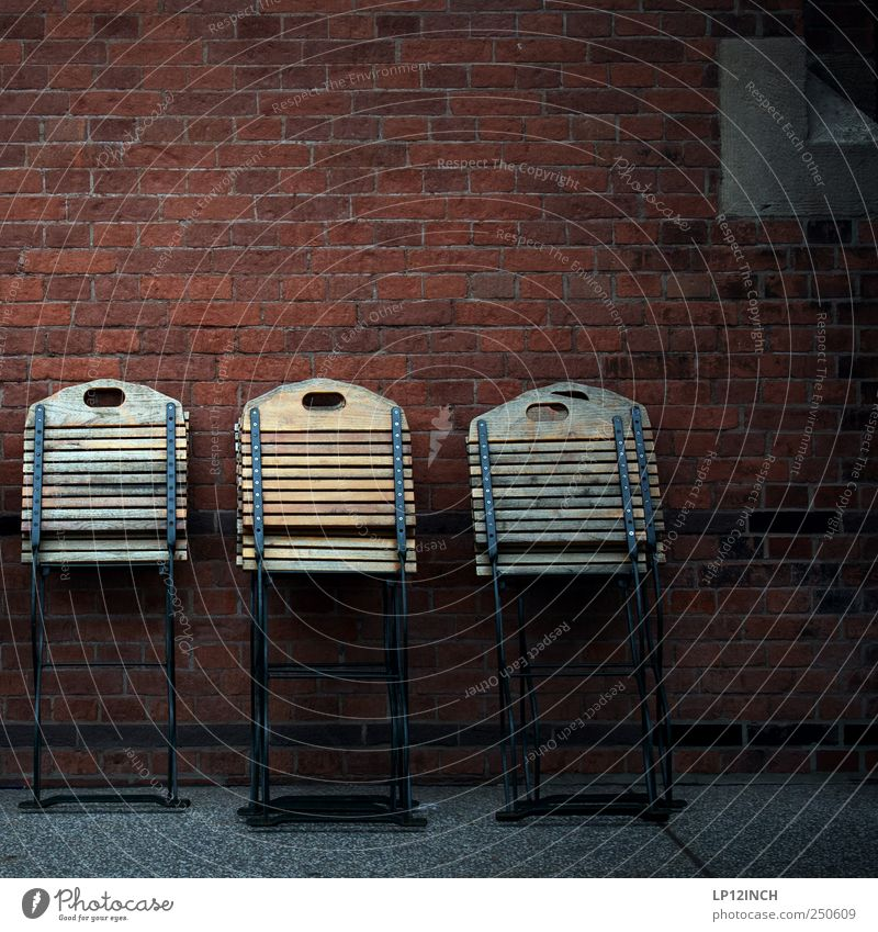Sommerende dunkel kalt Wand Holz Stuhl Backstein 5 Café anlehnen Klappstuhl stellen