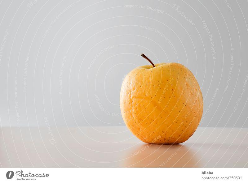 Apfel alt gelb Ernährung Frucht Bioprodukte schrumplig