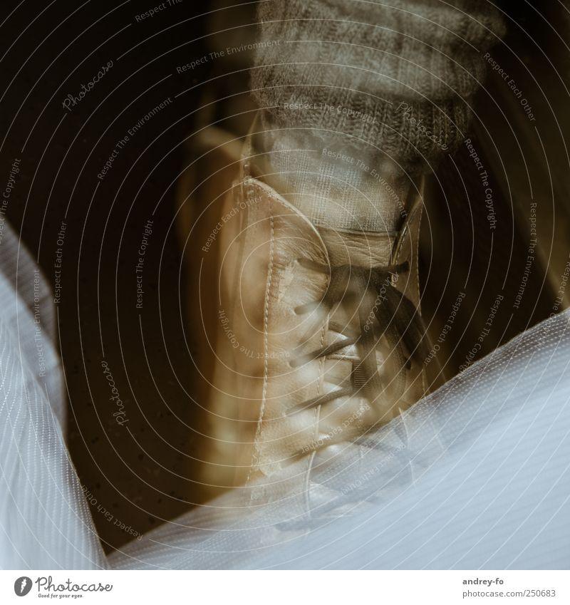 Stiefel Kunst fantastisch retro braun Schuhe Stoff Material Leder Strumpfhose Wolle Schnürstiefel abstrakt künstlich Phantasie träumen Vogelperspektive Farbfoto