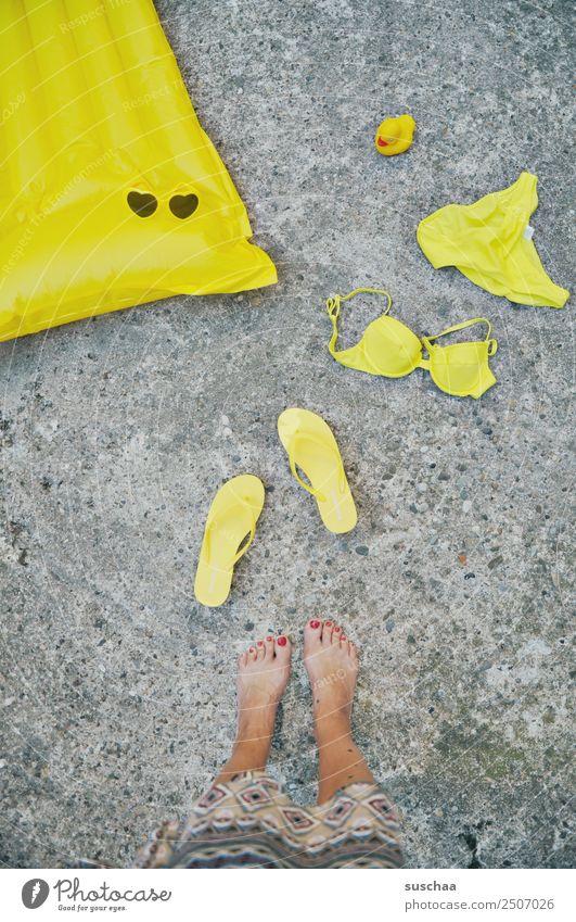 badetag (2) Luft Luftmatratze Badematratze Sommer Ferien & Urlaub & Reisen Wasser See Meer Schwimmen & Baden Wassersport Freizeit & Hobby Mensch Frau Fuß Beine