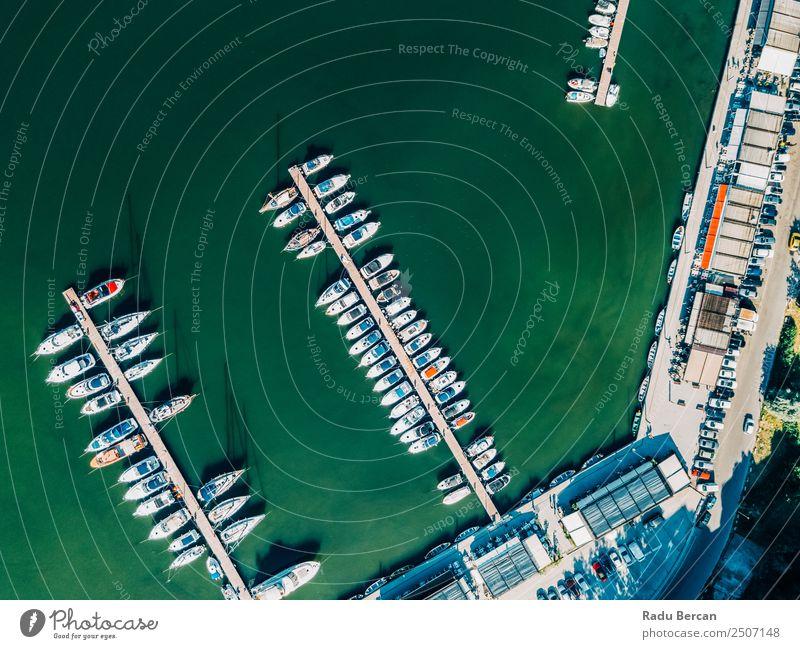 Luftaufnahme von Luxusyachten und -booten im Hafen am Schwarzen Meer Reichtum Freizeit & Hobby Ferien & Urlaub & Reisen Tourismus Kreuzfahrt Sommer Umwelt Natur
