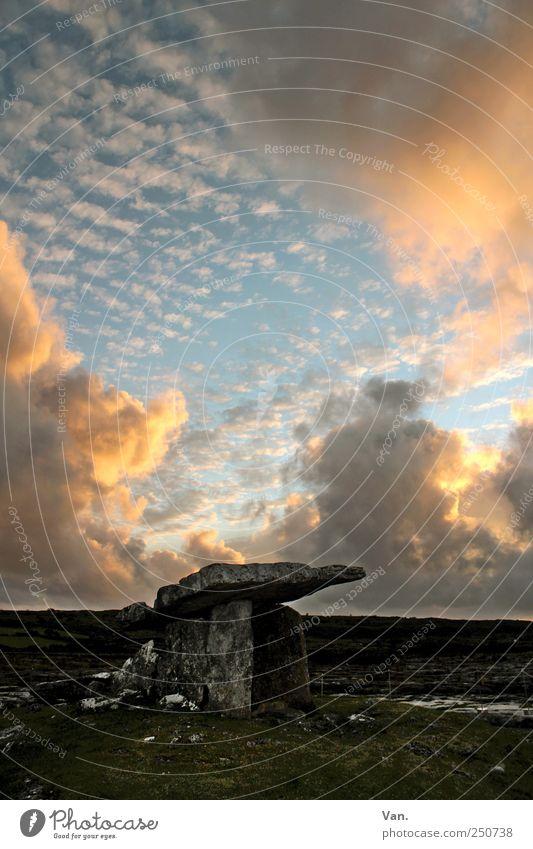 Poulnabrone Dolmen Himmel Natur alt schön Wolken Stein Erde Felsen Denkmal historisch Schönes Wetter Ruine Republik Irland Grabmal