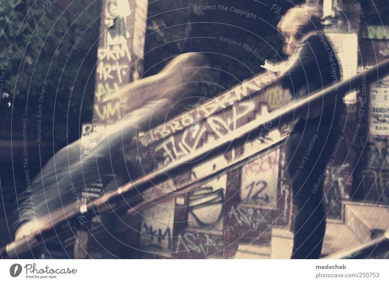 Reisende soll man nicht aufhalten Renovieren Nachtleben ausgehen Mensch Leben Mauer Wand Fassade Zeichen Graffiti fliegen Armut Coolness dreckig trendy kaputt