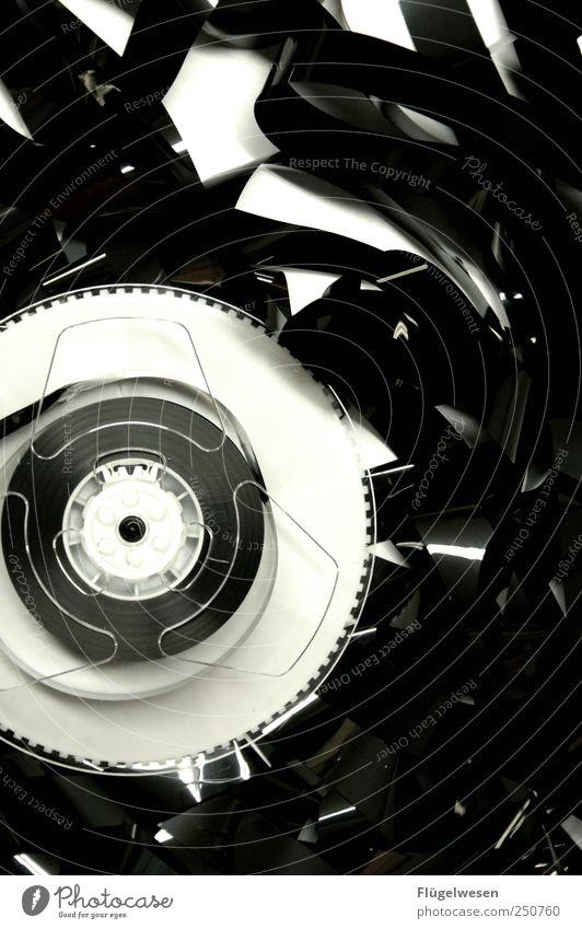 Das gleiche Programm abspulen Fotografie bedrohlich Filmmaterial Fernseher beobachten Filmindustrie hören Radiogerät Videokamera Musikkassette Aufzeichnen