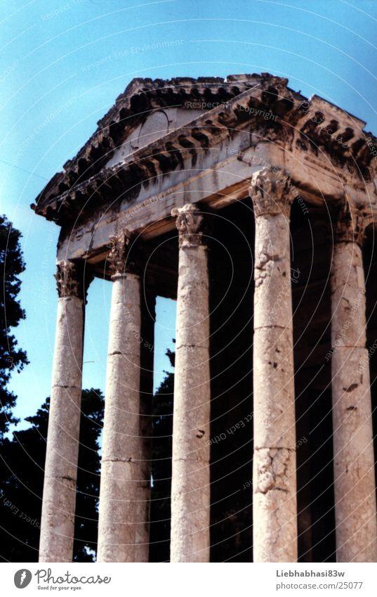 tempel des zeus Gotteshäuser