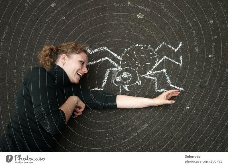 das große Krabbeln Mensch Tier Gesicht Graffiti Spielen Bewegung lachen Freizeit & Hobby Arme natürlich Beton Fröhlichkeit verrückt beobachten Tiergesicht
