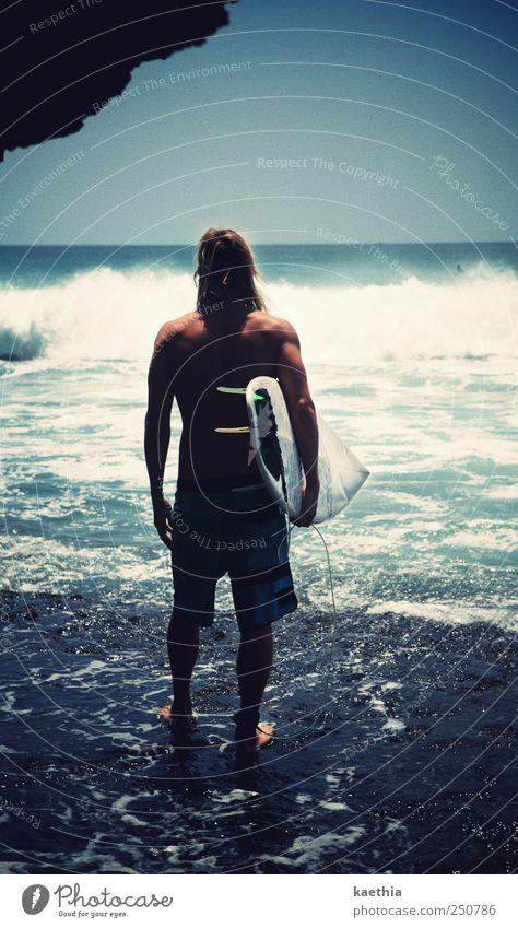 last moment Mensch Himmel Mann Wasser Freude Sommer Ferien & Urlaub & Reisen Strand Meer Sport Spielen Stil Sand Erwachsene Küste Wellen