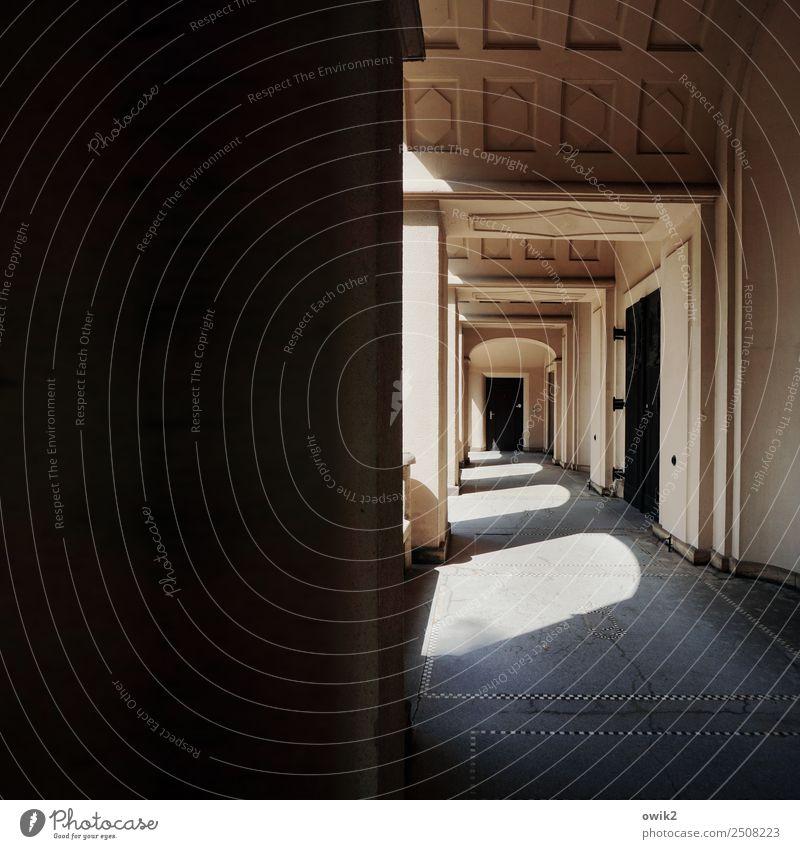 Dresden, St.-Pauli-Friedhof Deutschland Bauwerk Gebäude Architektur Jugendstil Trauerhalle Leichenhalle Tür Gang Arkaden Säule Sehenswürdigkeit alt groß