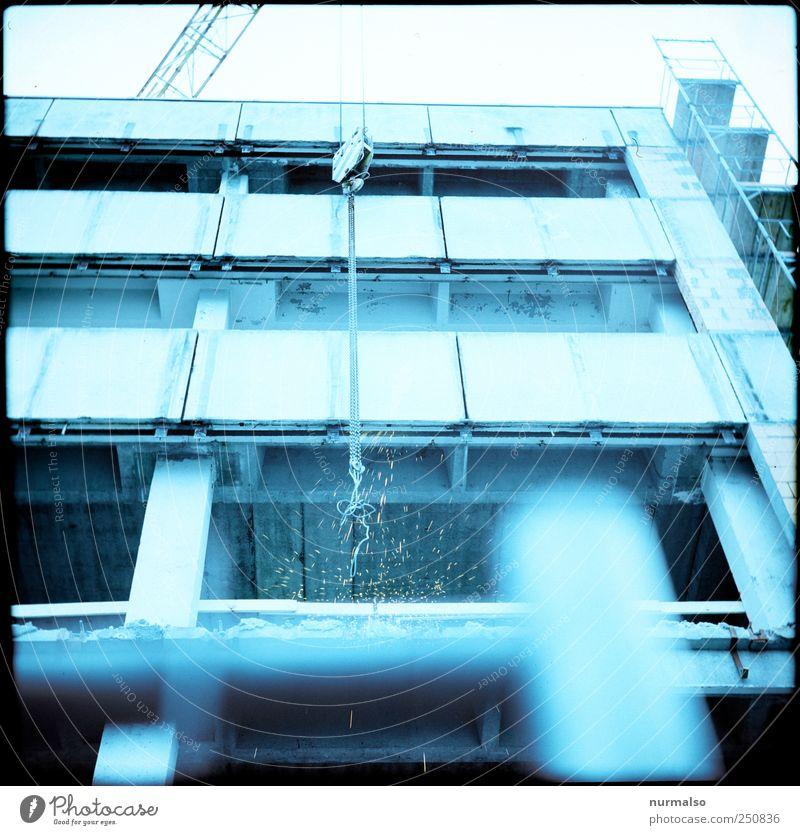 Funkenflug Haus Umwelt Wand Gebäude Mauer Lifestyle Kunst Stimmung Fassade Arbeit & Erwerbstätigkeit Wachstum Hochhaus Technik & Technologie Beginn Baustelle