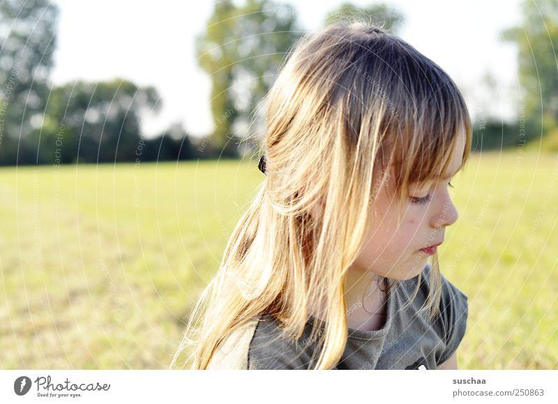 ein hexle foto .. Kind Mädchen Kindheit Kopf Haare & Frisuren Gesicht Auge Nase Mund 1 Mensch 3-8 Jahre Umwelt Natur Landschaft Himmel Sommer Schönes Wetter