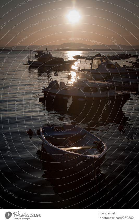 Sonnenuntergang am Hafen von Selce Wasser Sommer Ferien & Urlaub & Reisen Meer Stimmung Wasserfahrzeug Freizeit & Hobby Horizont Schwimmen & Baden Tourismus