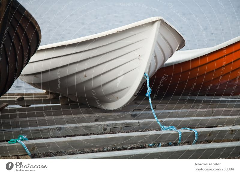 Fishermans Friend Wasser Einsamkeit Küste Linie Stimmung Freizeit & Hobby Seil ästhetisch einzigartig Kunststoff Seeufer Schifffahrt Angeln Steg Saison Ruderboot