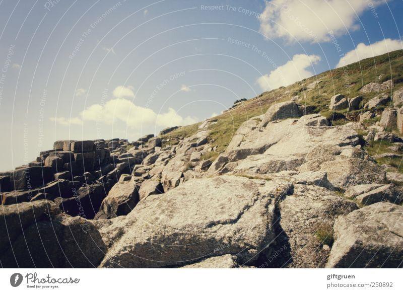 klettertour Umwelt Natur Landschaft Pflanze Urelemente Erde Himmel Wolken Sommer Klima Wetter Schönes Wetter Hügel Felsen Berge u. Gebirge blau rau steinig