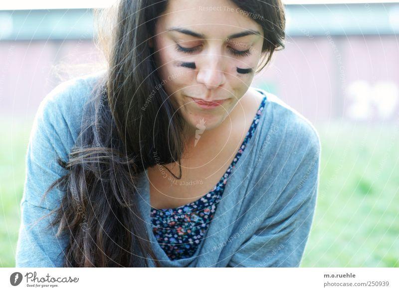 –ohne worte– Mensch Jugendliche schön Gesicht feminin Kopf Haare & Frisuren Mund Haut natürlich Nase ästhetisch Lifestyle Kreativität Junge Frau schwarzhaarig