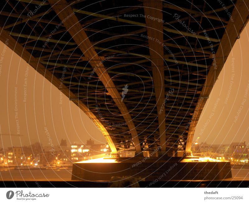 Brückensockel Licht Nacht Bonn Brückenpfeiler historisch Schnee Fluss Beleuchtung Rhein snow Bild Übergang