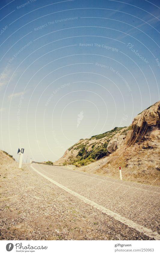 let's leave it all behind Himmel Natur Pflanze Straße Wege & Pfade Linie Felsen Verkehr Perspektive fahren Asphalt Italien Verkehrswege Schönes Wetter aufwärts