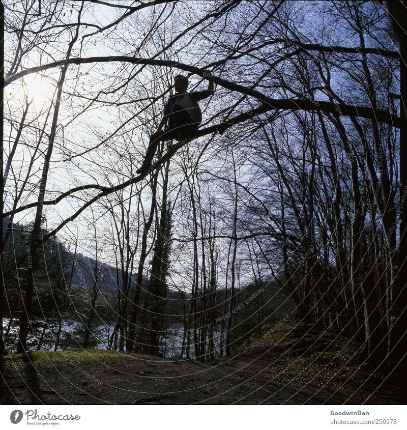 Abenteuer II. Mensch Himmel Mann Natur Wasser Erwachsene Umwelt Wetter hoch maskulin gefährlich Urelemente Fluss festhalten Klettern Schönes Wetter