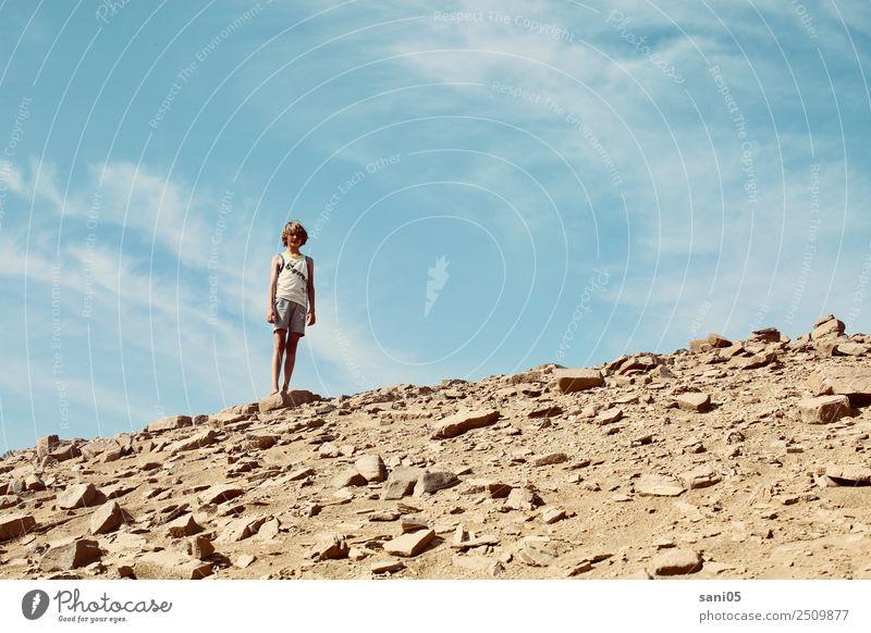Wüstenheld Mensch maskulin Kind Junge Bruder Kindheit Jugendliche Leben Körper 1 8-13 Jahre Natur Landschaft Erde Himmel Sonne Sommer Klimawandel Schönes Wetter
