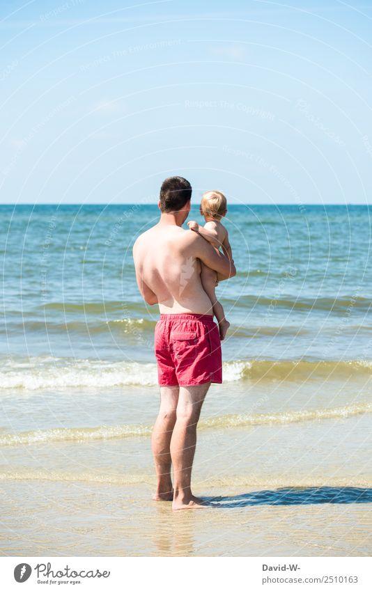 zum ersten mal am Meer... Kind Mensch Mann Sommer Sonne Erholung Strand Ferne Erwachsene Leben Gefühle Zufriedenheit maskulin Wellen Kindheit