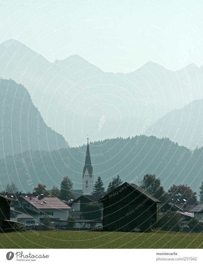 Heile Bergwelt Himmel Natur Ferien & Urlaub & Reisen Sommer Haus ruhig Wald Ferne Umwelt Landschaft Berge u. Gebirge Freiheit Stimmung Zufriedenheit Nebel