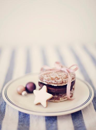 Weihnachtsteller Weihnachten & Advent hell rosa Dekoration & Verzierung lecker Teller Schleife Backwaren Plätzchen Weihnachtsdekoration Lebkuchen Geschenkband