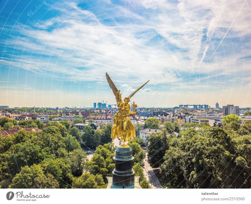 Friedensengel München Sightseeing Städtereise Kunst Kunstwerk Skulptur Architektur Stadt Bauwerk Sehenswürdigkeit Wahrzeichen Denkmal Zeichen alt ästhetisch