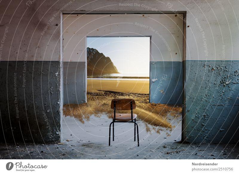 Krimi | Durchgangszimmer Meer Haus Strand Fenster Architektur Wand Küste Mauer Freiheit Häusliches Leben Raum träumen Tür Vergänglichkeit Bauwerk Stuhl