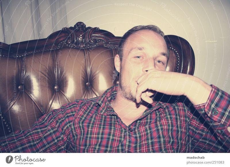 Laissez-faire Lifestyle elegant Stil Wohnung Sessel Nachtleben Bar Cocktailbar ausgehen Mensch maskulin Junger Mann Jugendliche Erwachsene Leben Gesicht 1