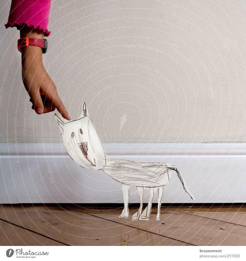 Papiertiger Häusliches Leben Kind Kleinkind Mädchen Hand 1 Mensch Tier Haustier Katze Holz berühren niedlich Gefühle Freude Glück Zufriedenheit Vertrauen