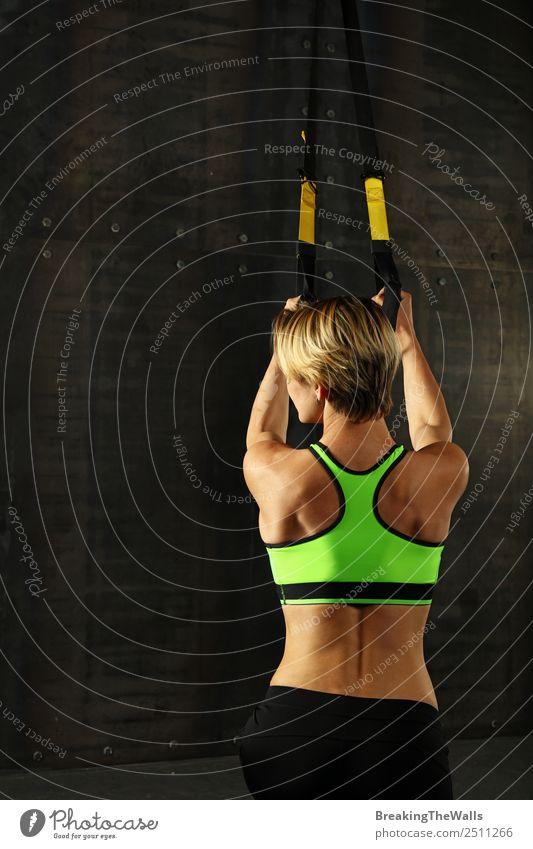 Frau Mensch Jugendliche Junge Frau weiß dunkel 18-30 Jahre schwarz Lifestyle Erwachsene Sport Körper blond Kraft Rücken Macht