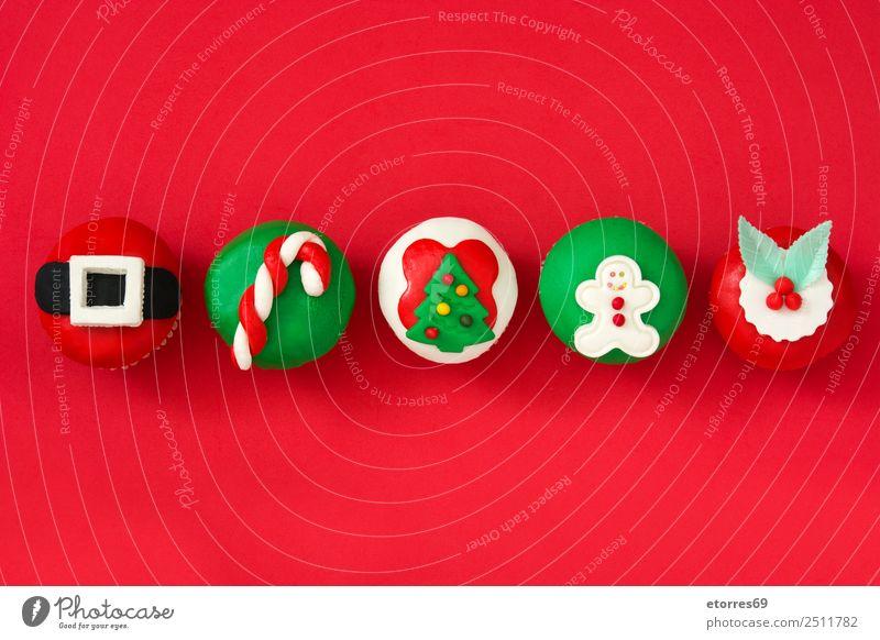 Chirstmas Muffins Kuchen Lebensmittel Frucht Dessert Süßwaren Winter Weihnachten & Advent Hut gut süß grün rot Foodfotografie Bonbon Cupcake Weihnachtsmann