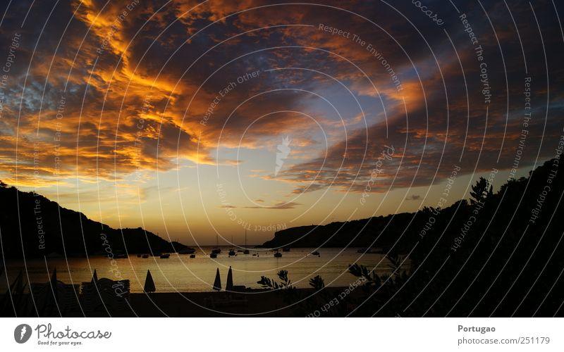 Brennender Himmel Natur Landschaft Wasser Wolken Sonnenaufgang Sonnenuntergang Farbfoto Außenaufnahme Abend Dämmerung Licht Schatten Sonnenlicht Gegenlicht
