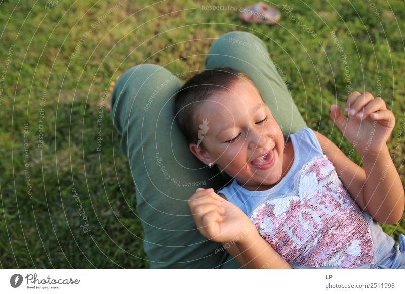 Kind Mensch Erholung Freude Erwachsene Lifestyle Leben Senior Gefühle Familie & Verwandtschaft Spielen Stimmung Freizeit & Hobby Kindheit Fröhlichkeit