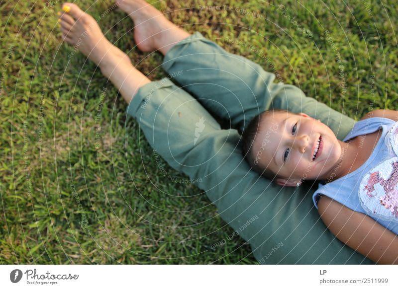 auf meinen Beinen liegen Freude schön Gesicht Leben harmonisch Wohlgefühl Zufriedenheit Erholung Freizeit & Hobby Spielen Kinderspiel Ferien & Urlaub & Reisen