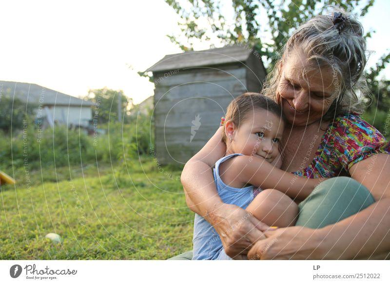 Frau Kind Mensch Erholung Freude Mädchen Lifestyle Erwachsene Leben Senior feminin Gefühle Familie & Verwandtschaft Paar Stimmung Häusliches Leben