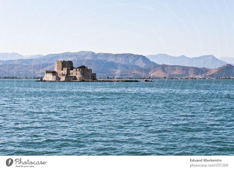 Venezianisches Erbe Landschaft Luft Wasser Wolkenloser Himmel Schönes Wetter Hügel Berge u. Gebirge Wellen Küste Meer Mittelmeer Sicherheit Vergangenheit