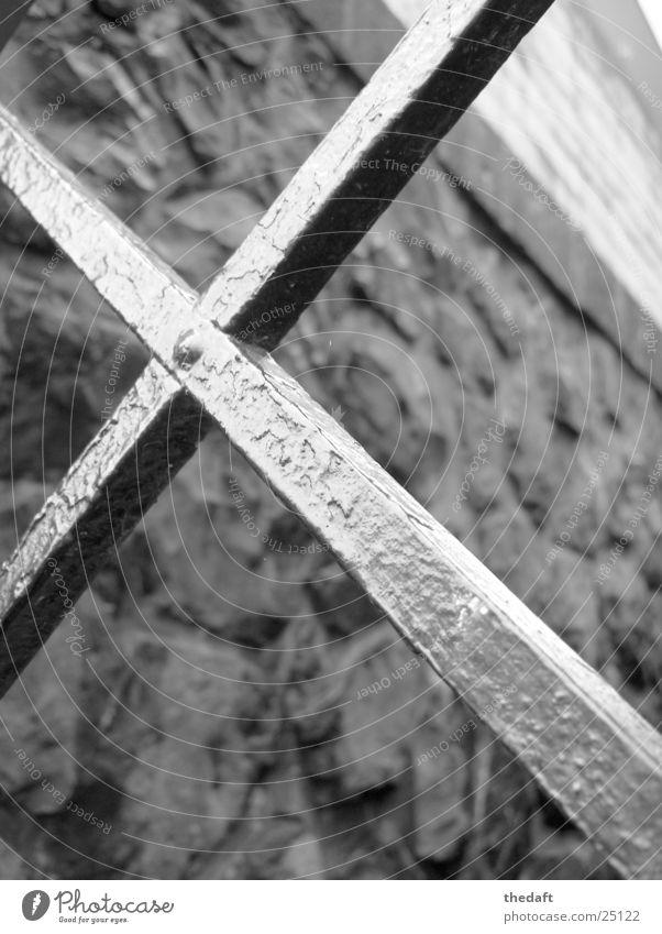 Kreuzung Wand Licht Rhein Gitter historisch Makroaufnahme Nahaufnahme Metall Mischung Schwarzweißfoto Stein Tor Tür