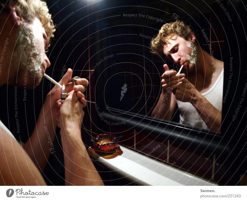 rasur Mensch maskulin Mann Erwachsene 1 Rauchen Aschenbecher Feinripp Feuerzeug anzünden Spiegel Spiegelbild Bad Sucht Rauschmittel Zigarette Bart Rasieren