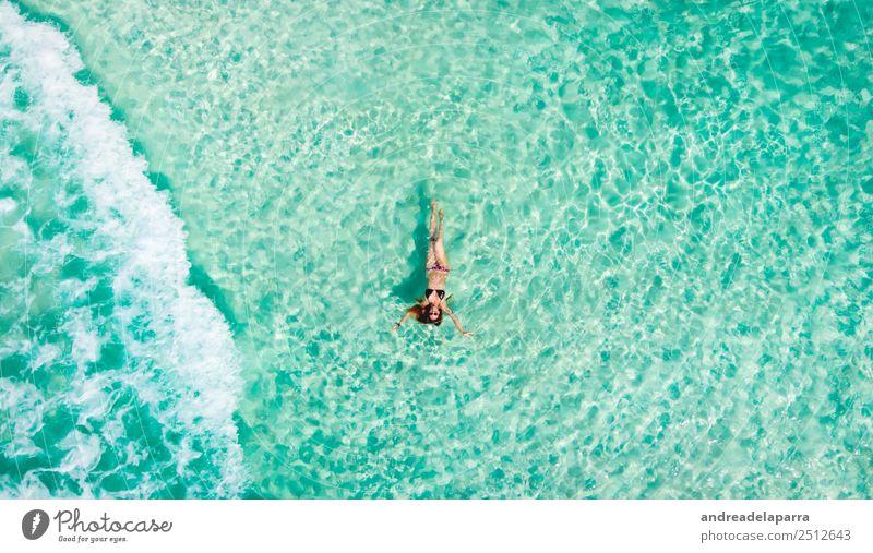 Schwimmen in der Karibik siehe Lifestyle Freude Körper sportlich Erholung Ferien & Urlaub & Reisen Tourismus Ausflug Freiheit Sommerurlaub Sonnenbad Strand Meer